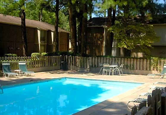 Meadowbrook Apartments, Pine Bluff, AR