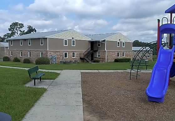 Spring Manor Apts, Ocala, FL