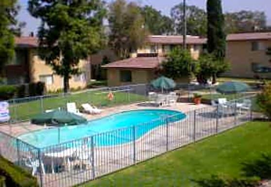 University Iowa Gardens Apartments, Riverside, CA