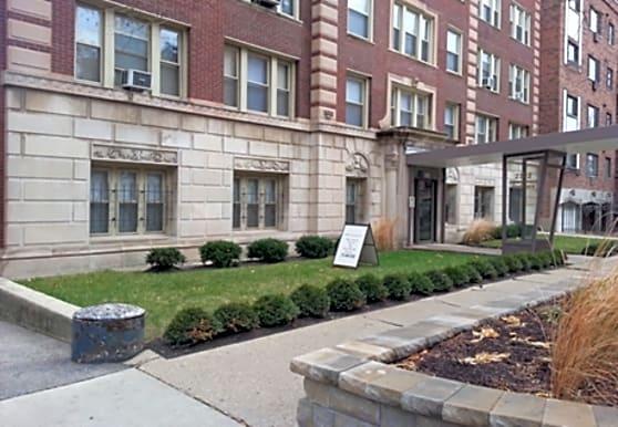 Commonwealth Apartments, Chicago, IL