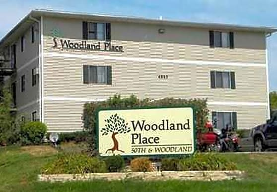 Woodland Place Apartments, West Des Moines, IA