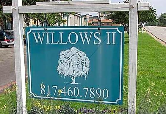 Willows II, Arlington, TX