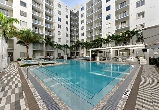 Pearl Dadeland, Miami, FL