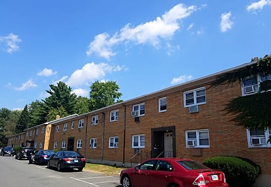 DEERFIELD PARK APARTMENTS, East Hartford, CT