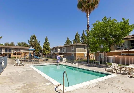 Stoney Brook Apartments, Fresno, CA