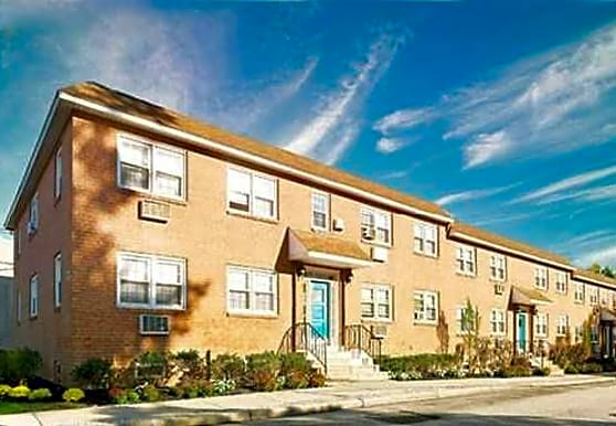 Rosedale Apartments, Holmes, PA