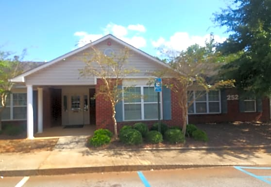 East Oaks Apartments, Americus, GA