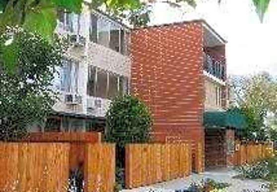 Oakland Summit Apartments, Pasadena, CA