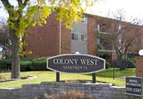 Colony West, Aurora, IL