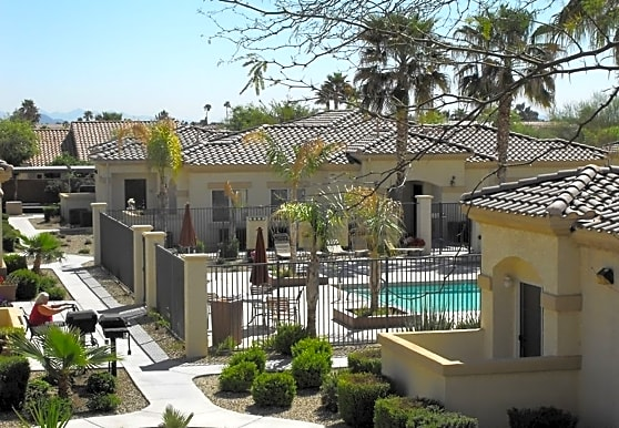 Deer Valley Gardens, Sun City West, AZ