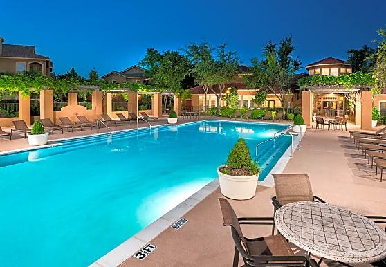 Estates on Frankford, Dallas, TX