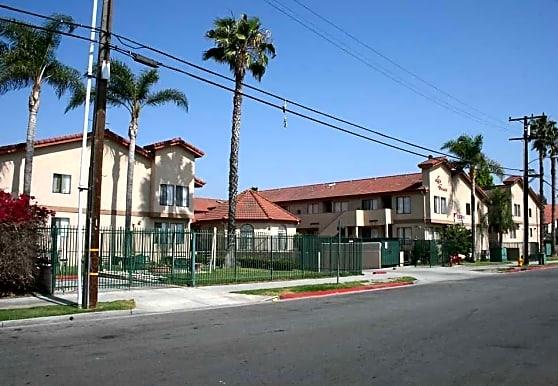 Las Casas Apartment, Anaheim, CA
