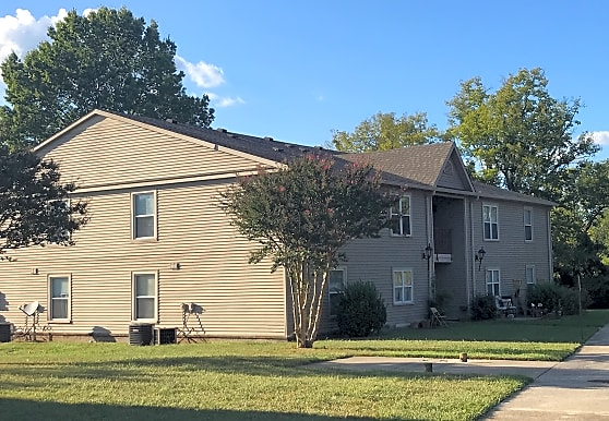 Oakview Apartments, Fayetteville, TN