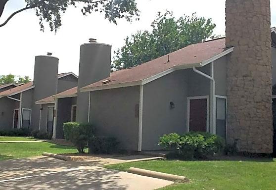 Highland Villas, Arlington, TX