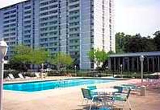 The Grandview at Gates Mills Towers, Mayfield Heights, OH