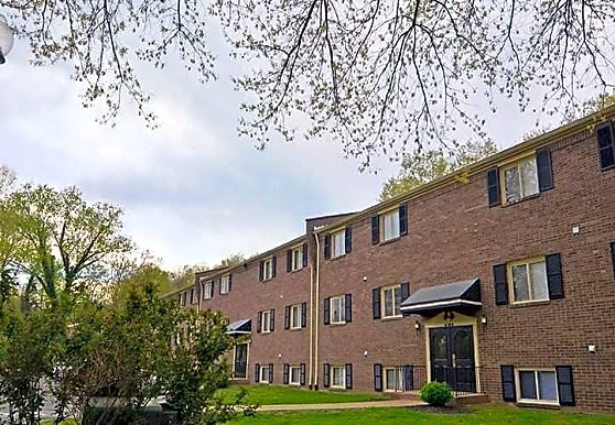 Iroquois Gardens Apartments, Louisville, KY