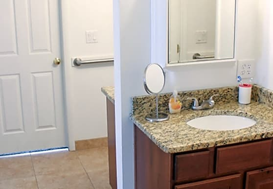 Red Mountain Student Living Apartments Saint George Ut 84770