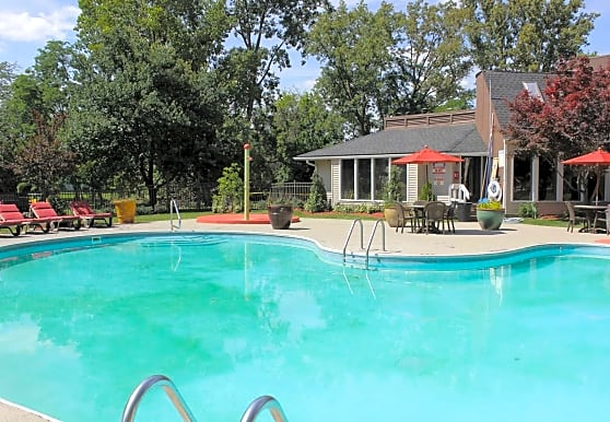 Ardsley Ridge Townhomes & Apartments, Reynoldsburg, OH