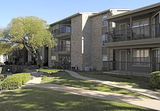 Fossil Ridge Apartments, Haltom City, TX