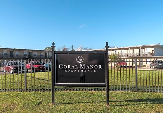Coral Manor Apartments, Texas City, TX