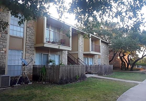 Woodland Ridge Apartments - San Antonio, TX 78240