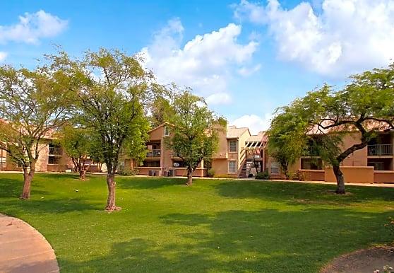 Desert Oasis Apartment Homes, Palm Desert, CA