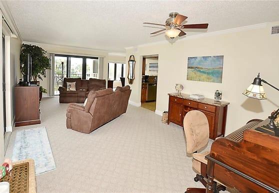1616 Ocean Dr 303V, Vero Beach, FL