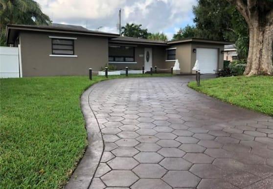 1510 SW 13th St, Fort Lauderdale, FL