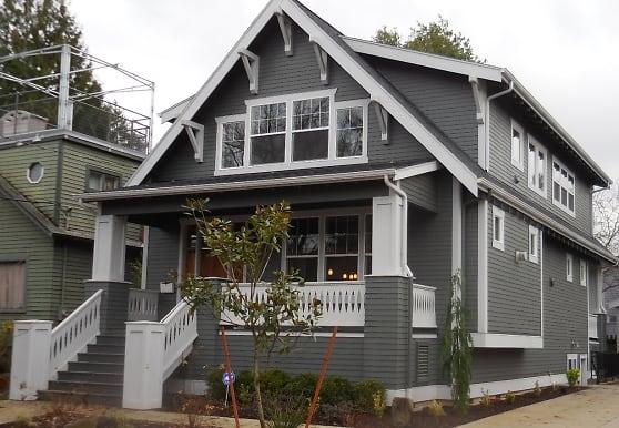 1212 SE Harney St, Portland, OR