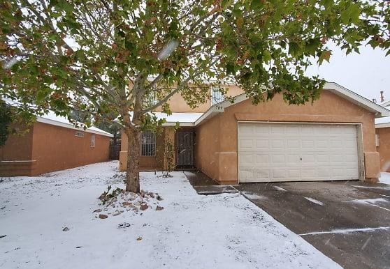 709 Noah Ave SW, Albuquerque, NM