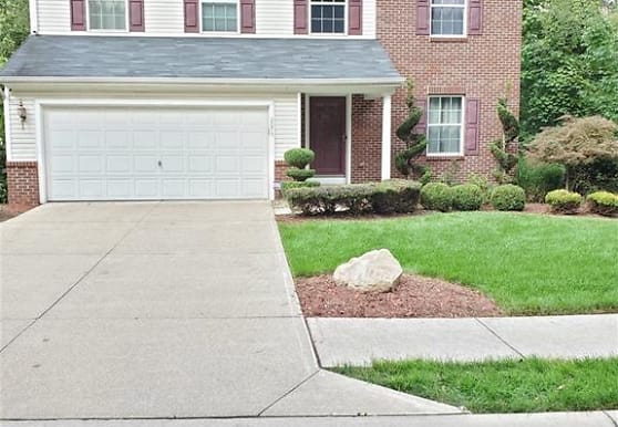 2075 Harrison Dr, Richmond Heights, OH