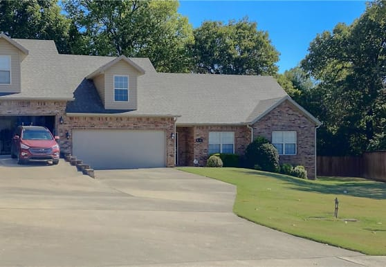 4246 N Zion Valley Dr, Fayetteville, AR