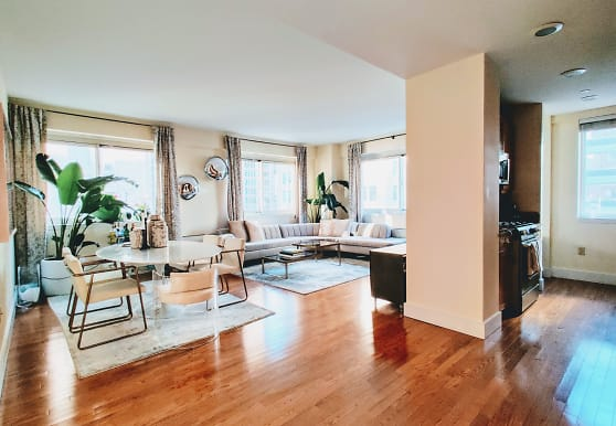 200 W 24th St, New York, NY