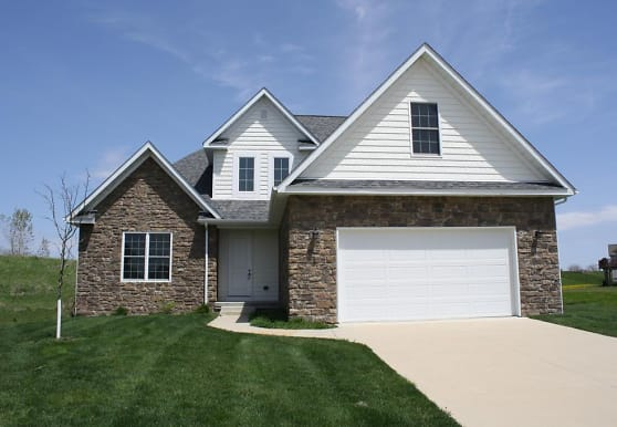 3 Greystone Court, Le Claire, IA