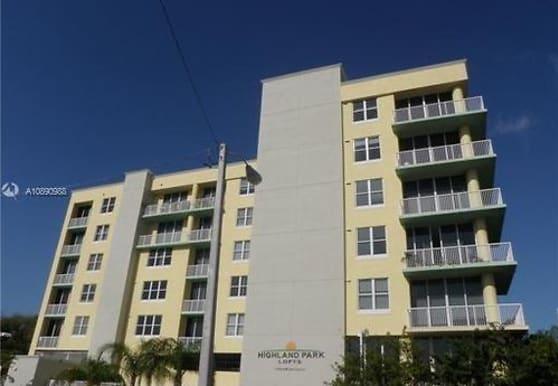 1350 NW 8th Ct, Miami, FL