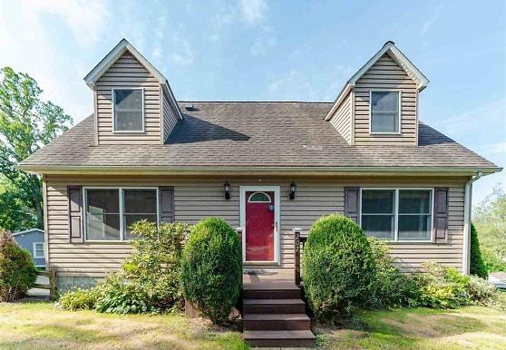 207 Willowdale Rd, Morgantown, WV