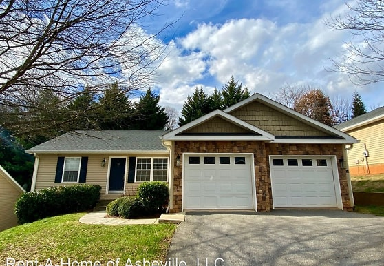 31 Kirby Rd, Asheville, NC