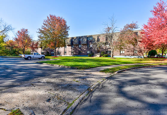 Candlewood Apartments, New Britain, CT