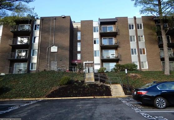 75 S Reynolds St 103, Alexandria, VA