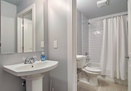Room for Rent - New Home with Superdome Views, New Orleans, LA