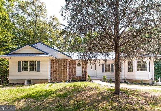 13495 Budds Creek Rd A, Charlotte Hall, MD