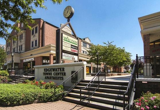 Edgewater Towne Center, Edgewater, NJ