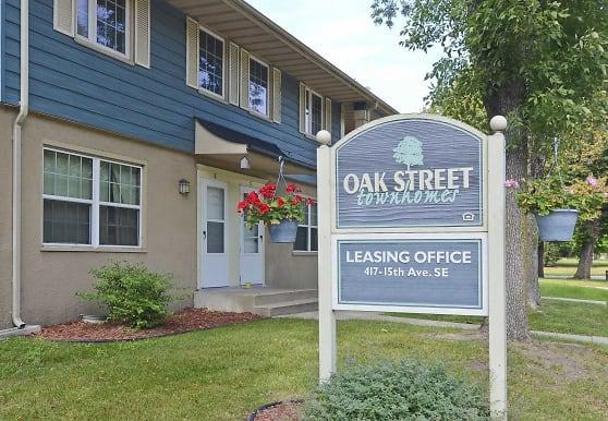 Oak Street Townhomes, Saint Cloud, MN