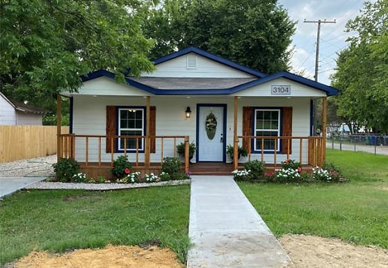 3104 College St, Greenville, TX