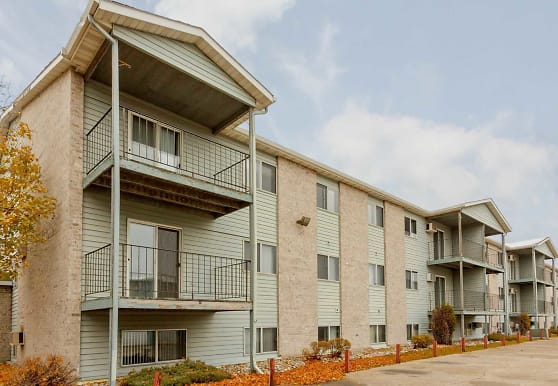 Greystone Manor Apartments, Fargo, ND