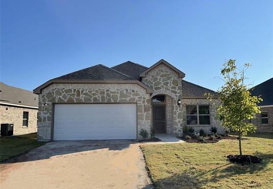 7805 Cottonwood Dr, Greenville, TX