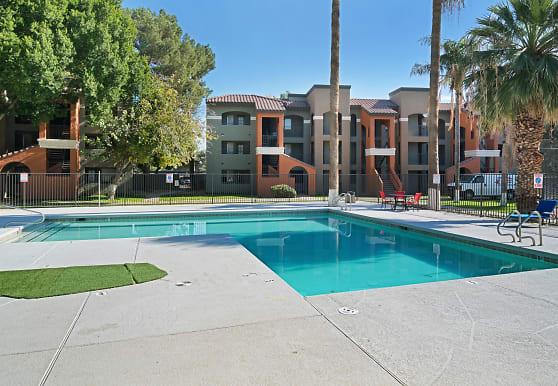 Tides at East Glendale, Phoenix, AZ