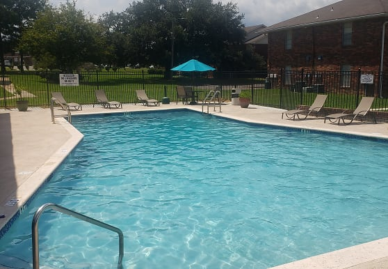Southern Pines Apartments, Gulfport, MS