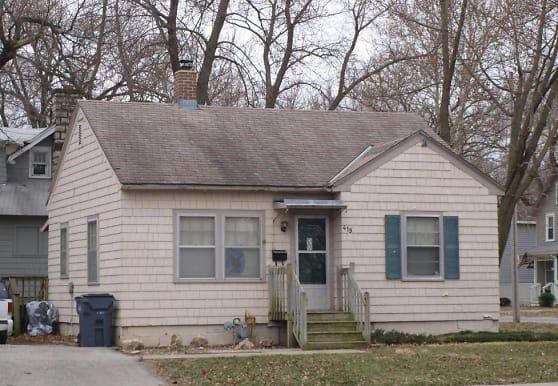 419 W Santa Fe St, Olathe, KS