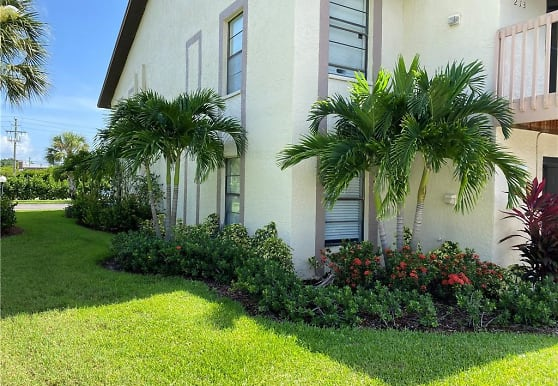 13118 Feather Sound Dr 205, Fort Myers, FL